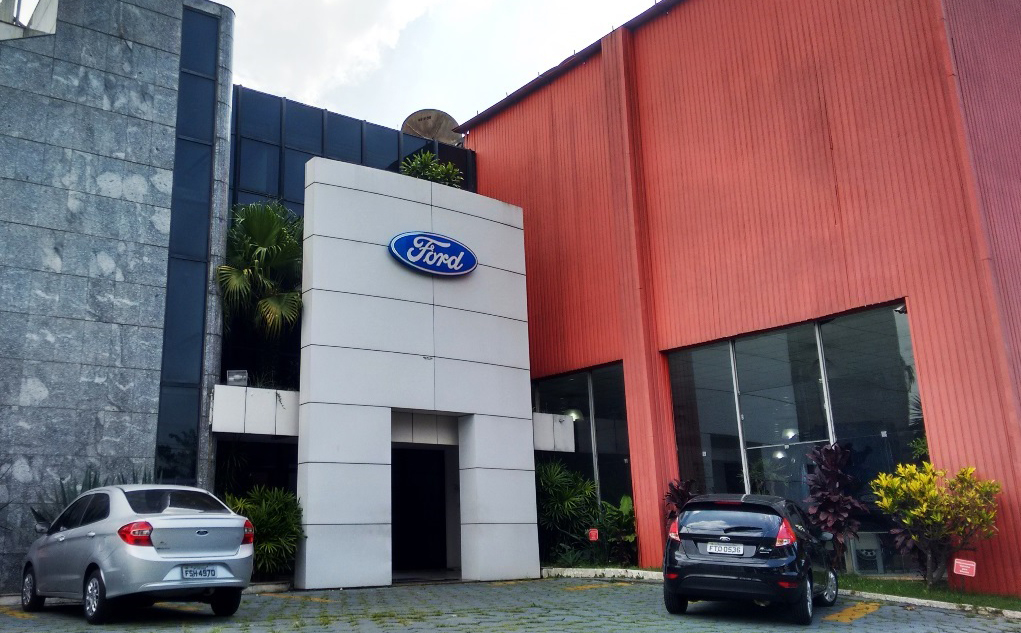 Ford Fachada interna
