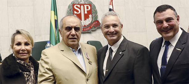 Lays Helou e seu marido, Urubatan Helou, Coronel Telhada, Deputado Estadual de São Paulo, e Coronel Antônio Marin, Gerente Nacional de Gerenciamento de Riscos da Braspress