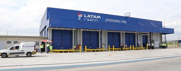 Latam Cargo inaugura câmara fria no Aeroporto de Guarulhos